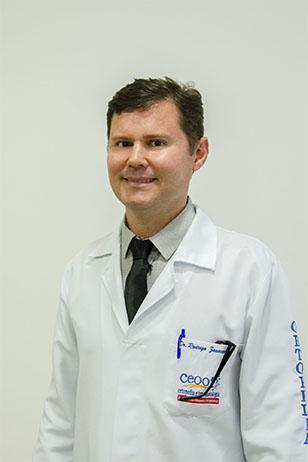 Dr. Rodrigo Zavanela
